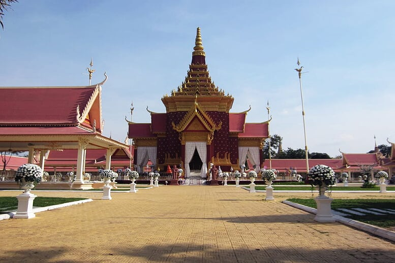 legend-mekong-9-days-phnom-penh-7