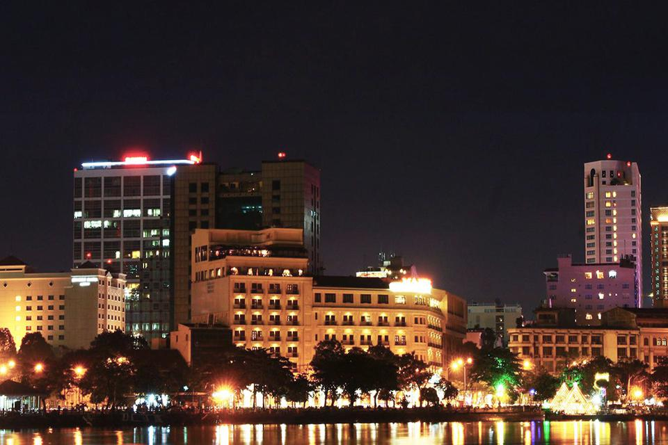 saigon-at-night