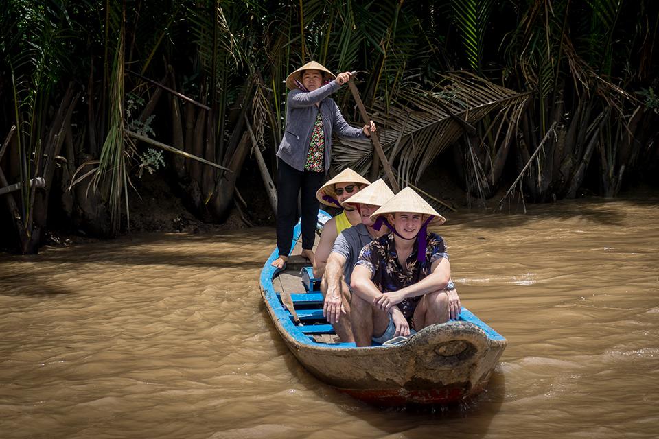 sampan-boat-trip-can-tho