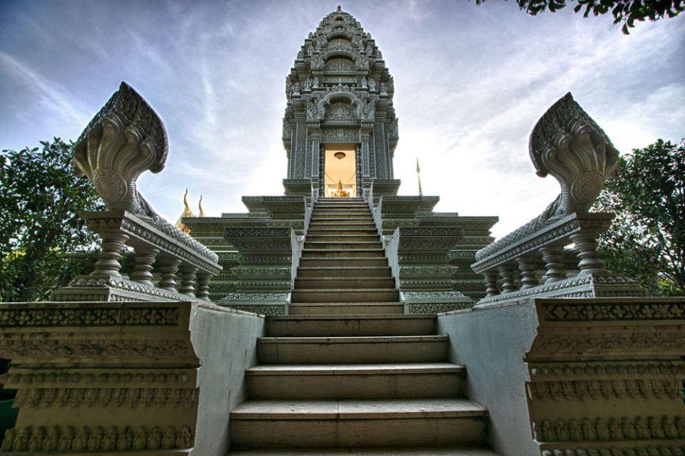 silver-pagoda-combodia