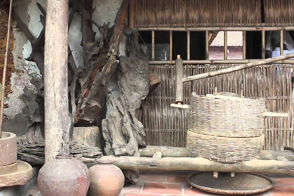 thay-pagoda-tay-phuong-pagoda-duong-lam-village-full-day-private-5