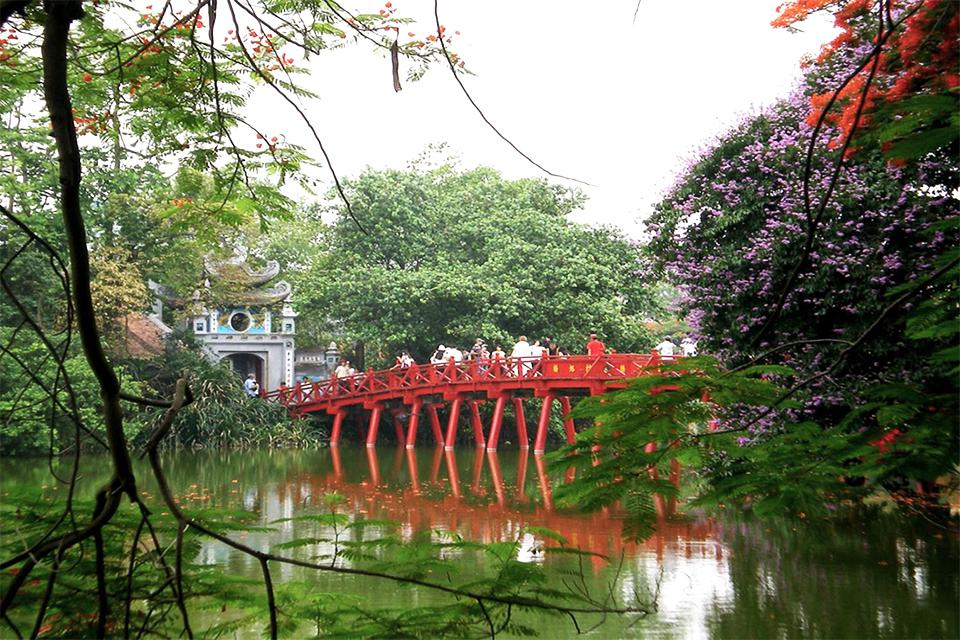 the-huc-bridge-hanoi