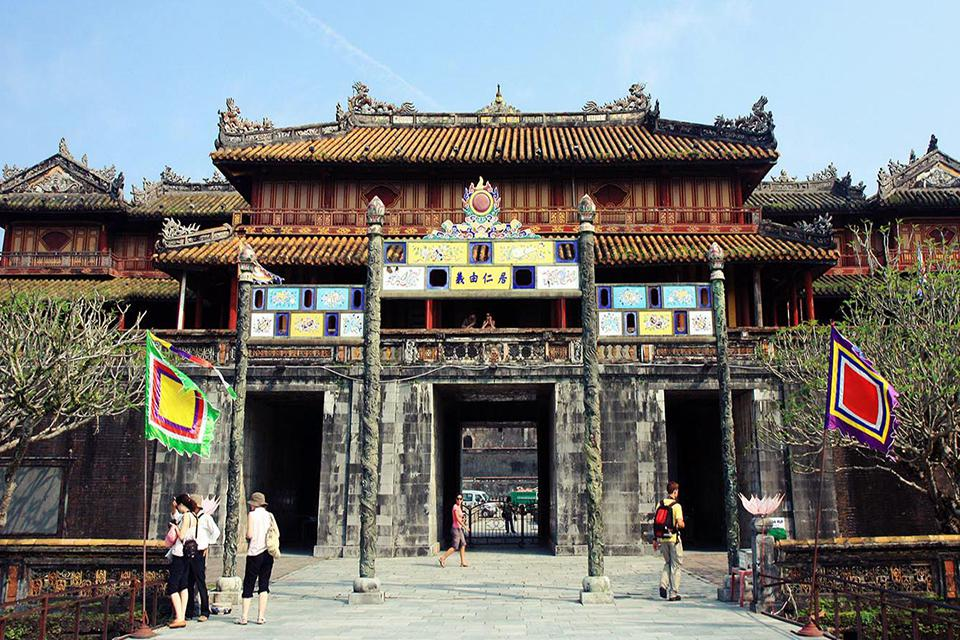 the-imperial-citadel-in-hue