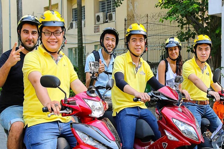city-day-tour-by-motorbike