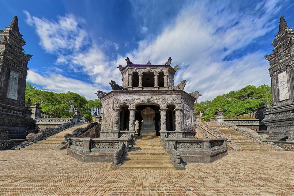 960-tomb-of-khai-dinh