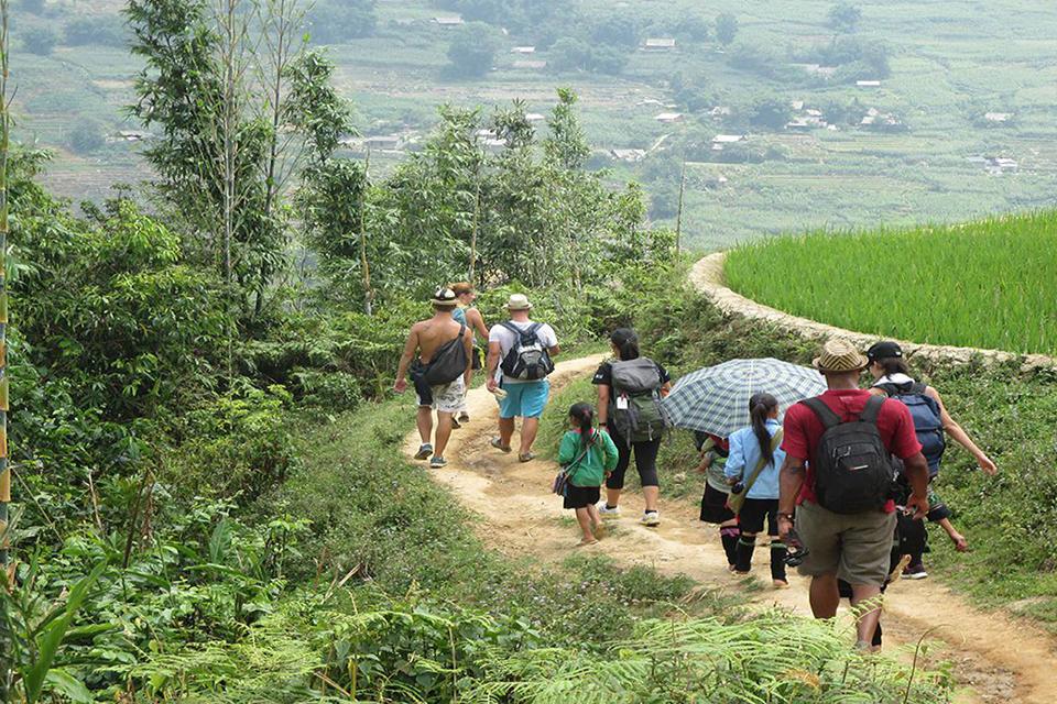 Sapa trekking by bus 3D2N (hotel stay)