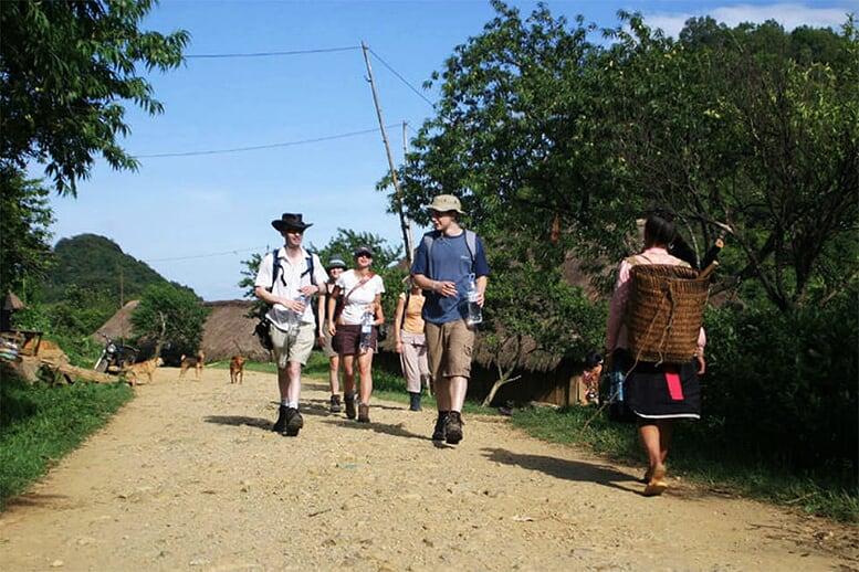 northern-viet-nam-laos-13-days-mai-chau-valley-3
