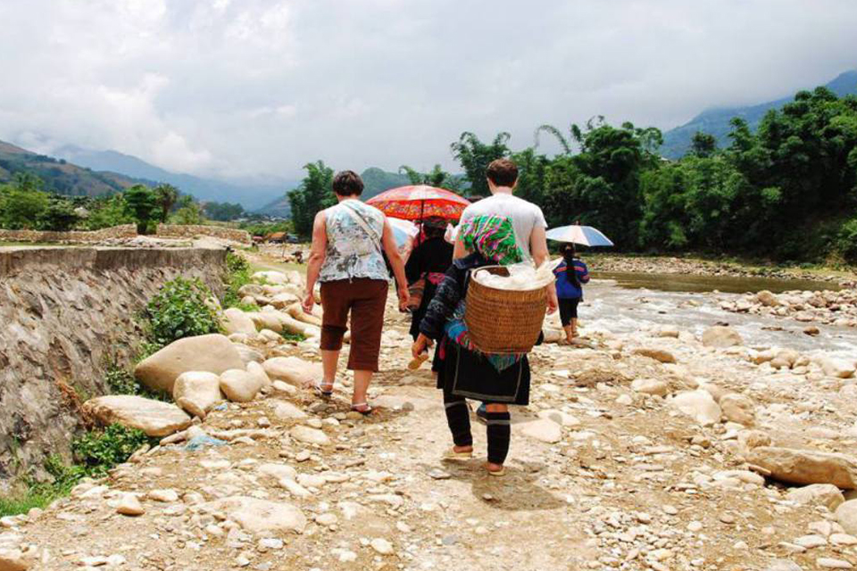 960-trekking-to-lao-chai-village