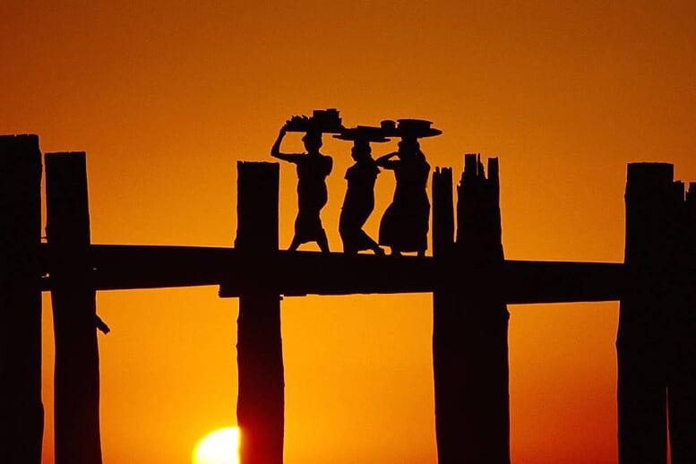 from-angkor-wat-to-bagan-12-days-bridge-sunset-myanmar-7