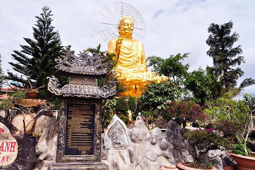 van-hanh-pagoda-1