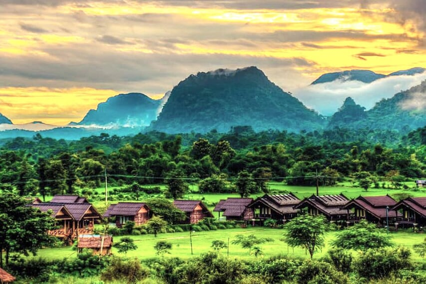thailand-laos-discovery-23-days-vang-vieng-overview-13