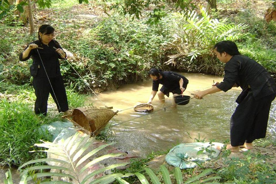 vinh-sang-farm-vinh-long-mekong-bailing-canal-2-days-3