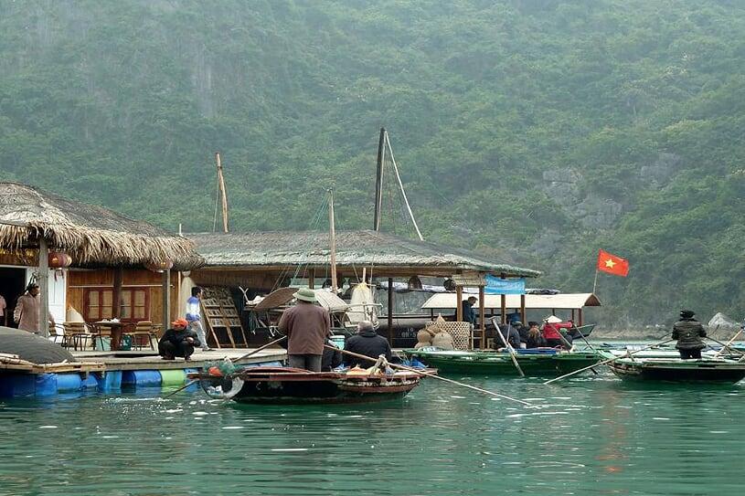 vung-vieng-floating-village