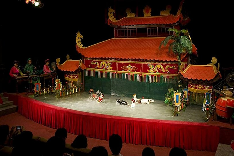 water-puppet-show-2