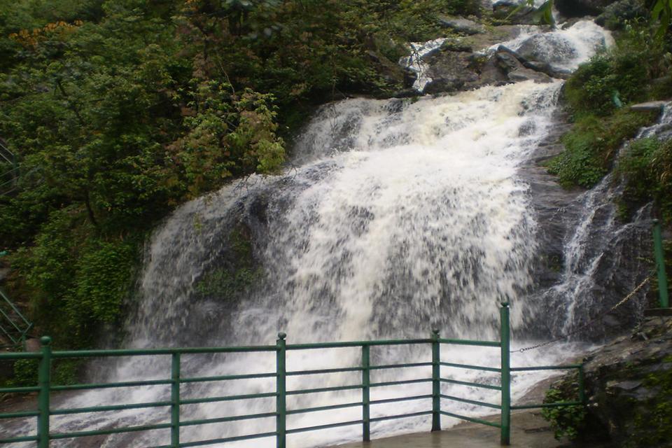 960-waterfall