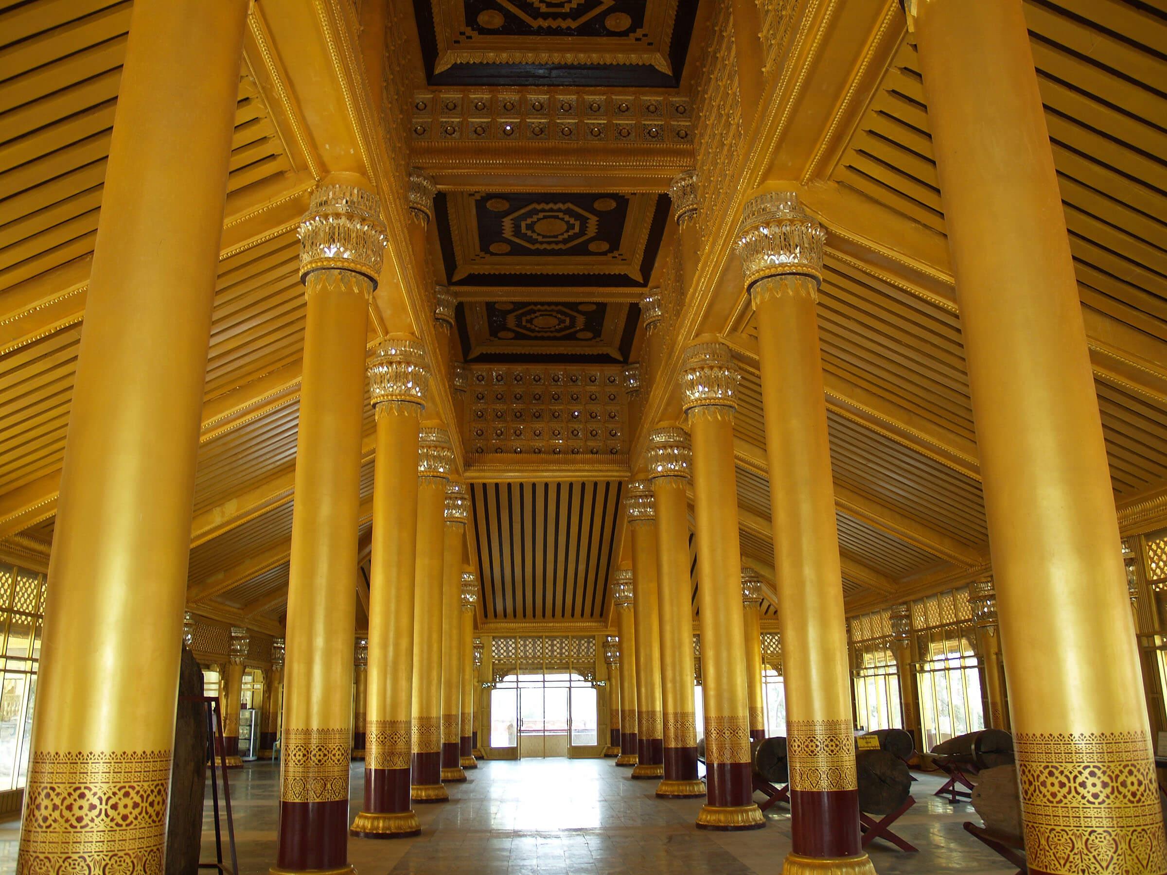 kanbawzathadi-palace-1