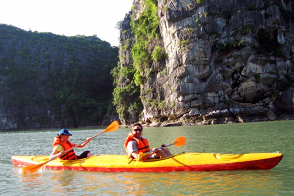 kayaking-jasmine-cruise-3-days-2-nights-1