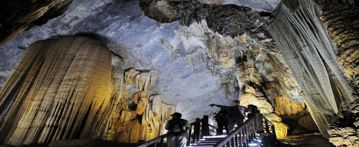 Day trip Thien Duong Cave from Hue
