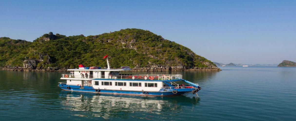 Estella luxury day cruise from Hanoi