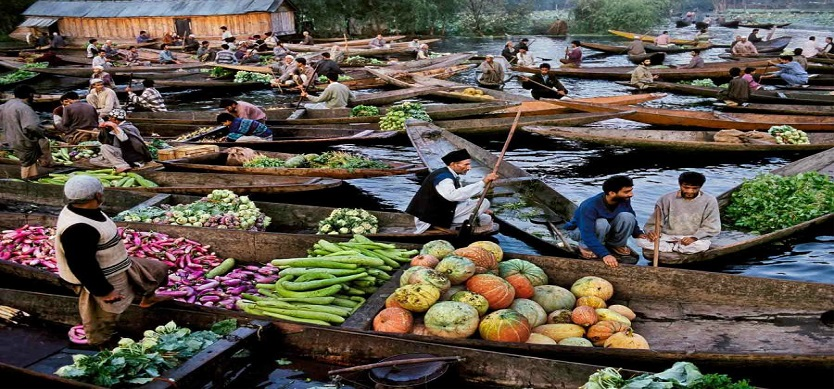 Cai Rang Among World's Six Busiest Floating Markets