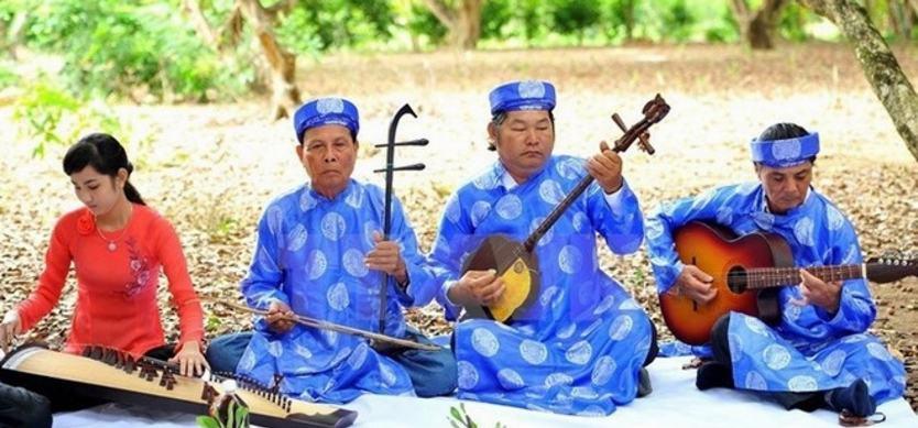 Top artist preserves Mekong farm music