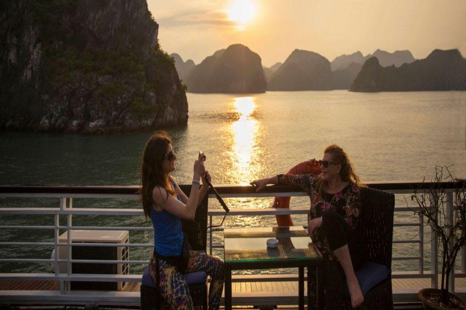 estella-luxury-day-cruise-from-hanoi-4