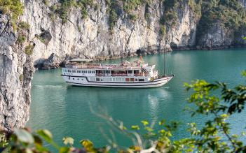 Garden Bay Luxury Cruise 3 days/ 2 nights