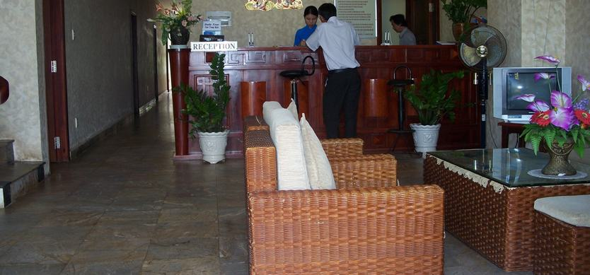 Phuong Dong Hotel
