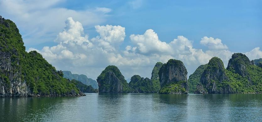 Top 10 common questions when traveling to Halong Bay