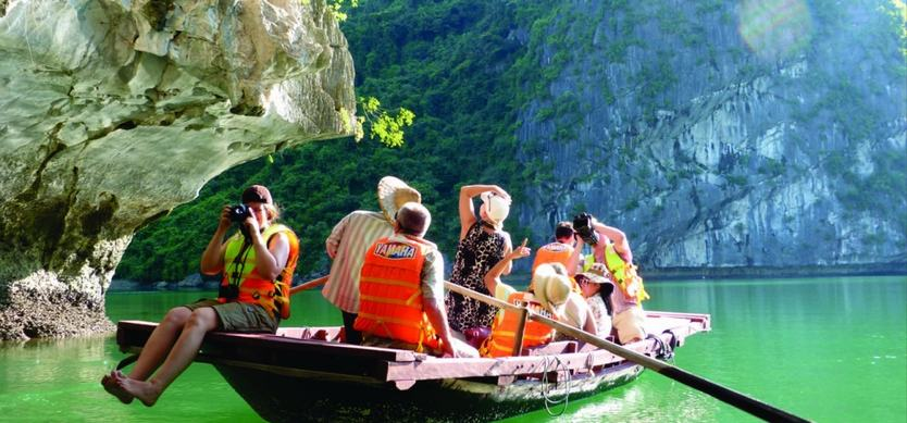 Top 3 interesting activities on Halong Bay cruises