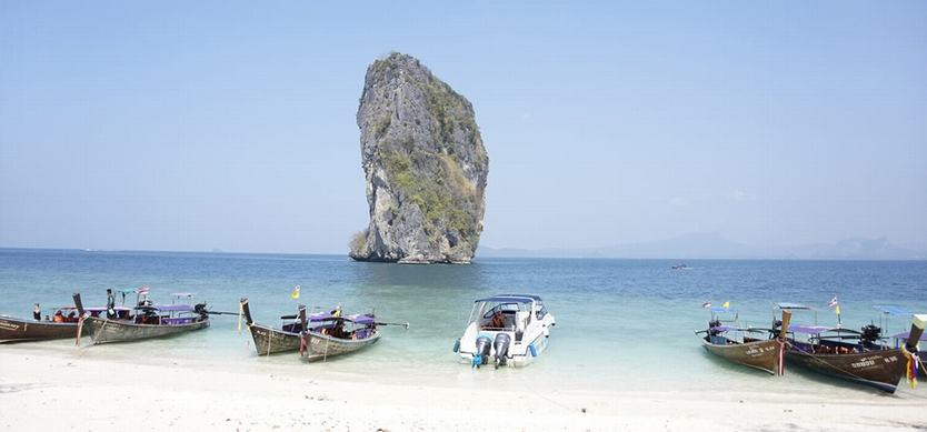 Top 7 most beautiful beaches in Halong Bay