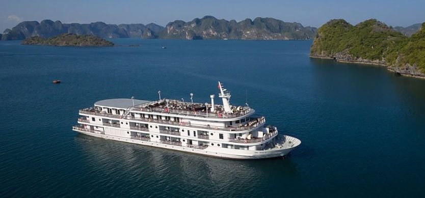 Best Halong cruises for the honeymoon