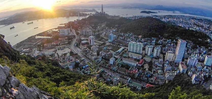 Climbing up Bai tho Mountian