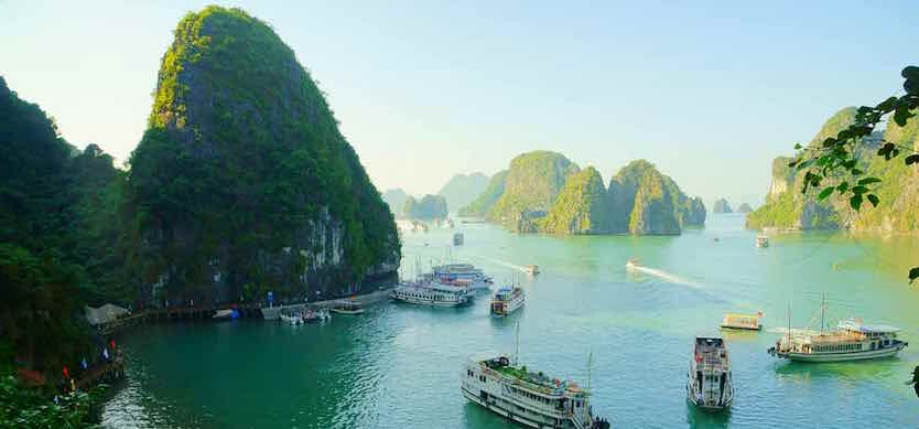 Top fascinating activities travelers will enjoy on a 3-day cruise tour in Halong Bay