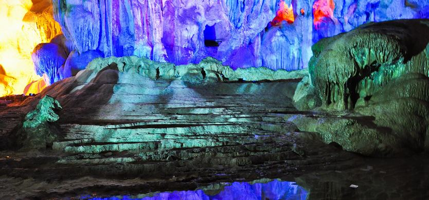Hanh Cave - The longest cave of Halong Bay