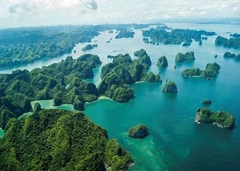 How far from Hanoi to Halong Bay
