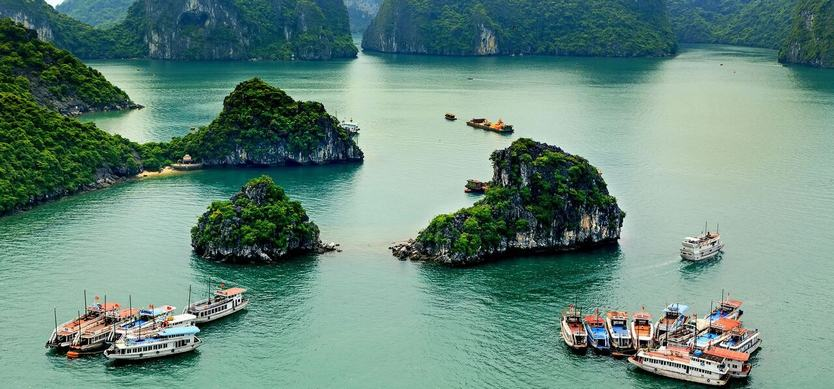 How to spend 24 hours in Halong Bay?