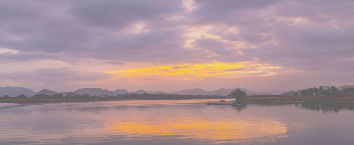 Phong Nha Sunset cruise