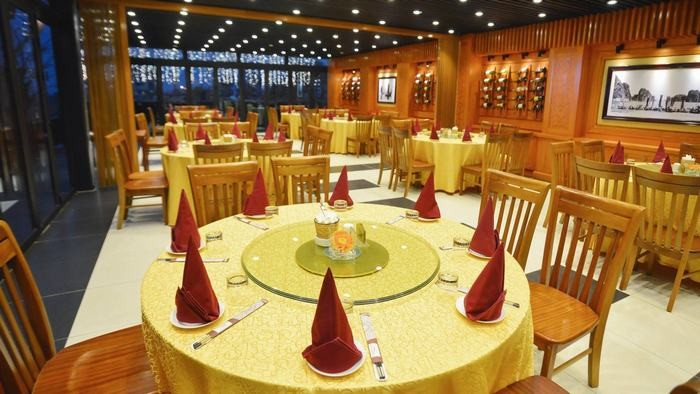 Restaurant in Halong