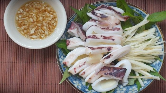 Steamed squid