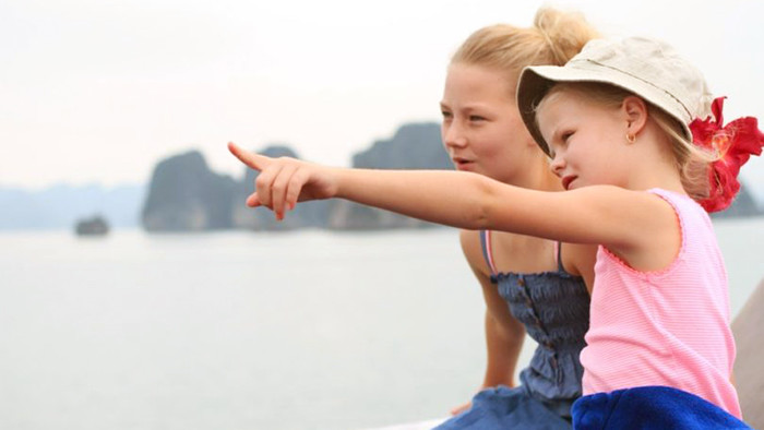 Save the best memories in Halong Bay with your children