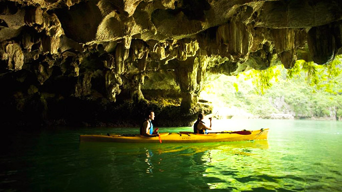 Kayak through Luon cave