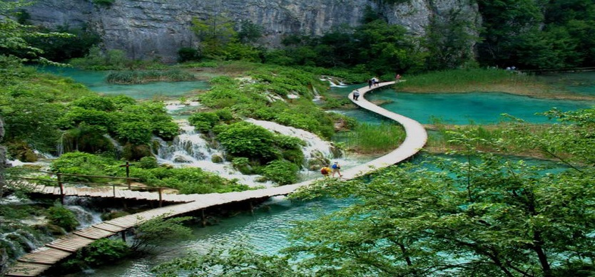 Admire the famous Vietnam national parks