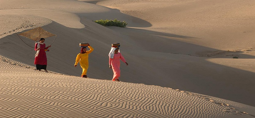 "Play in the ""miniature Sahara"" in the top 5 sand dunes of the Central"