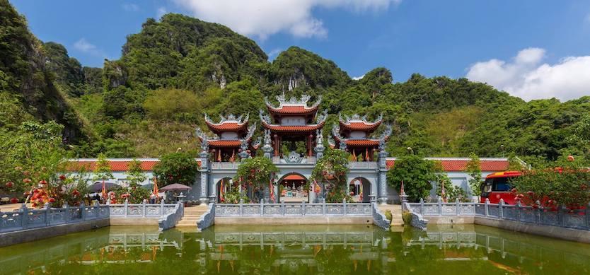 Bong Lai Temple, Hoa Binh