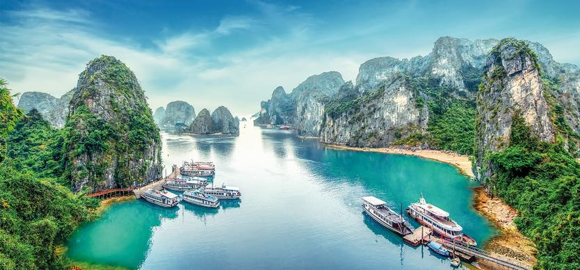 How to get to Halong Bay from Hoi An