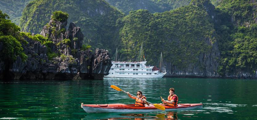 How best to enjoy the attractions in Halong Bay