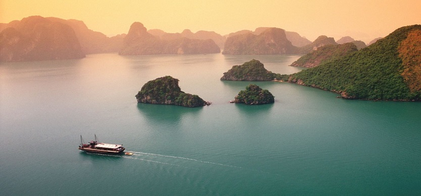 How To Reach Halong Bay