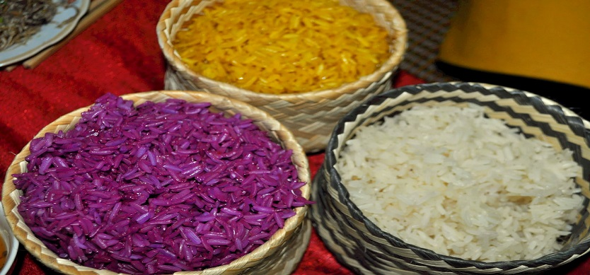 """Xoi nep nuong"" – the steamed glutinous rice in Mai Chau"