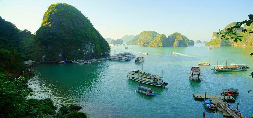 The suitable time for Halong Bay tour